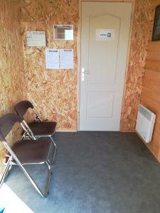 Salle d'attente cabinet de réflexothérapie combinée Lionel Fouilland